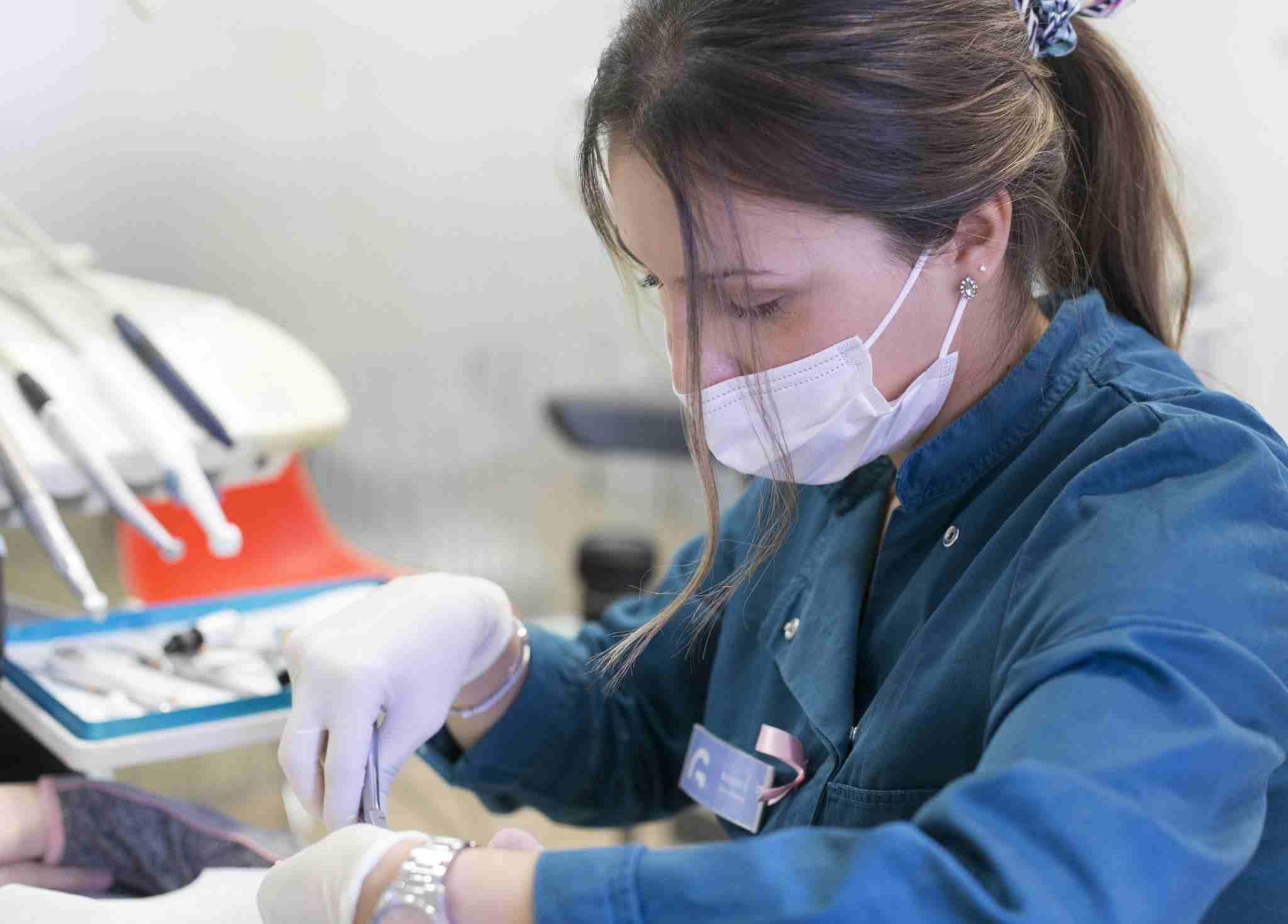 trabajador-clinica-dental-gonzalvo